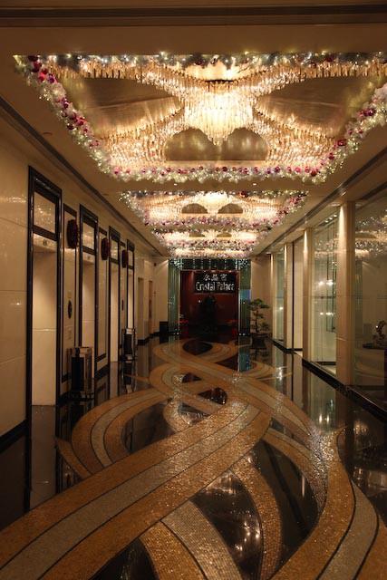 the-gran-lisboa-casino-macau-photo-charles-guy-06