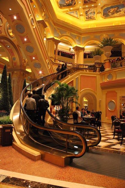 the-venetian-casino-macau-photo-charles-guy-02