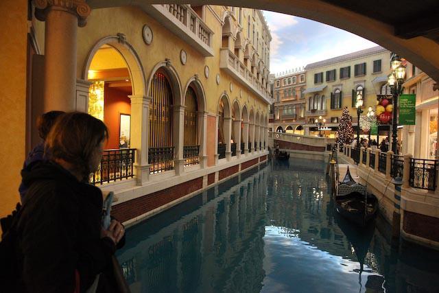 the-venetian-casino-macau-photo-charles-guy-05