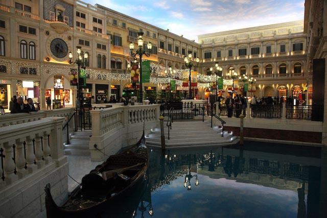 the-venetian-casino-macau-photo-charles-guy-06