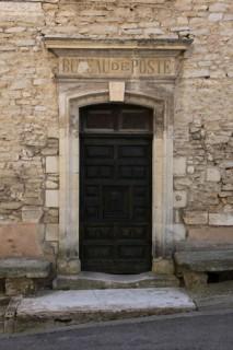 Ancien bureau de poste à Goult - Lubéron