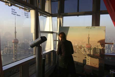 Michelle Auboiron peint la ville de Shanghai depuis la Jinmao Tower