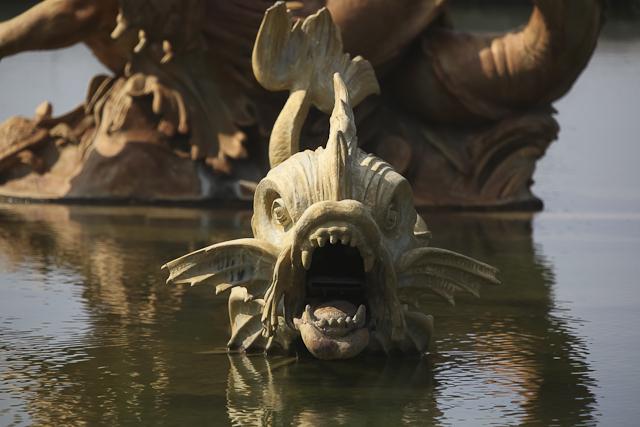 photos-bassin-de-neptune-dragon-versailles-photo-charles-guy-1