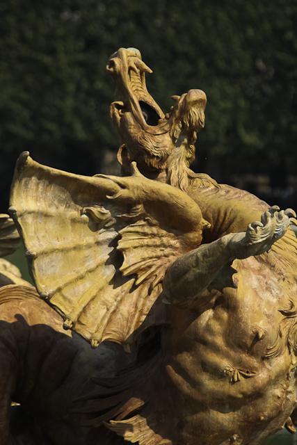 photos-bassin-de-neptune-dragon-versailles-photo-charles-guy-4