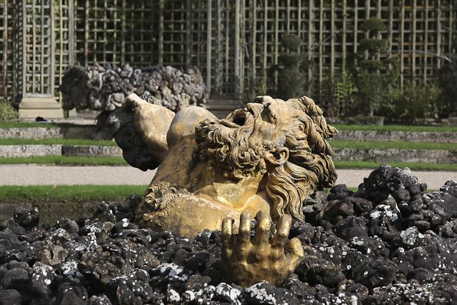 sculpture-bosquet-de-l-encelade-photo-charles-guy-2
