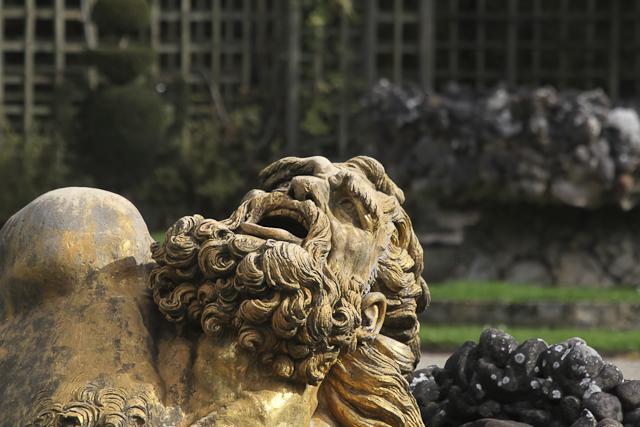 sculpture-bosquet-de-l-encelade-photo-charles-guy-7
