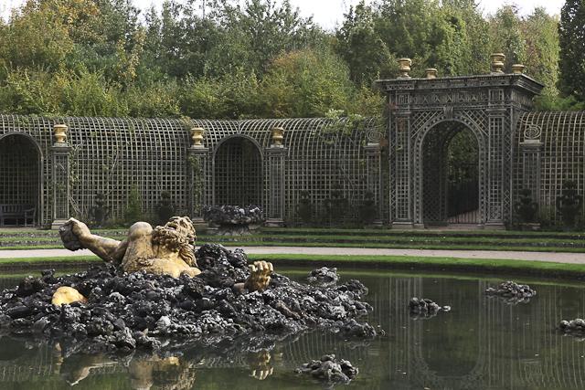 sculpture-bosquet-de-l-encelade-photo-charles-guy