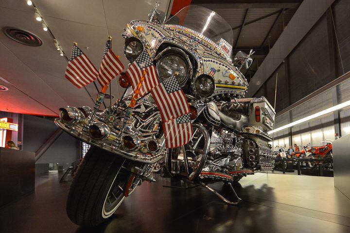 06-Milwaukee-Harley-Davidson-Museum-photo-Charles-Guy-9